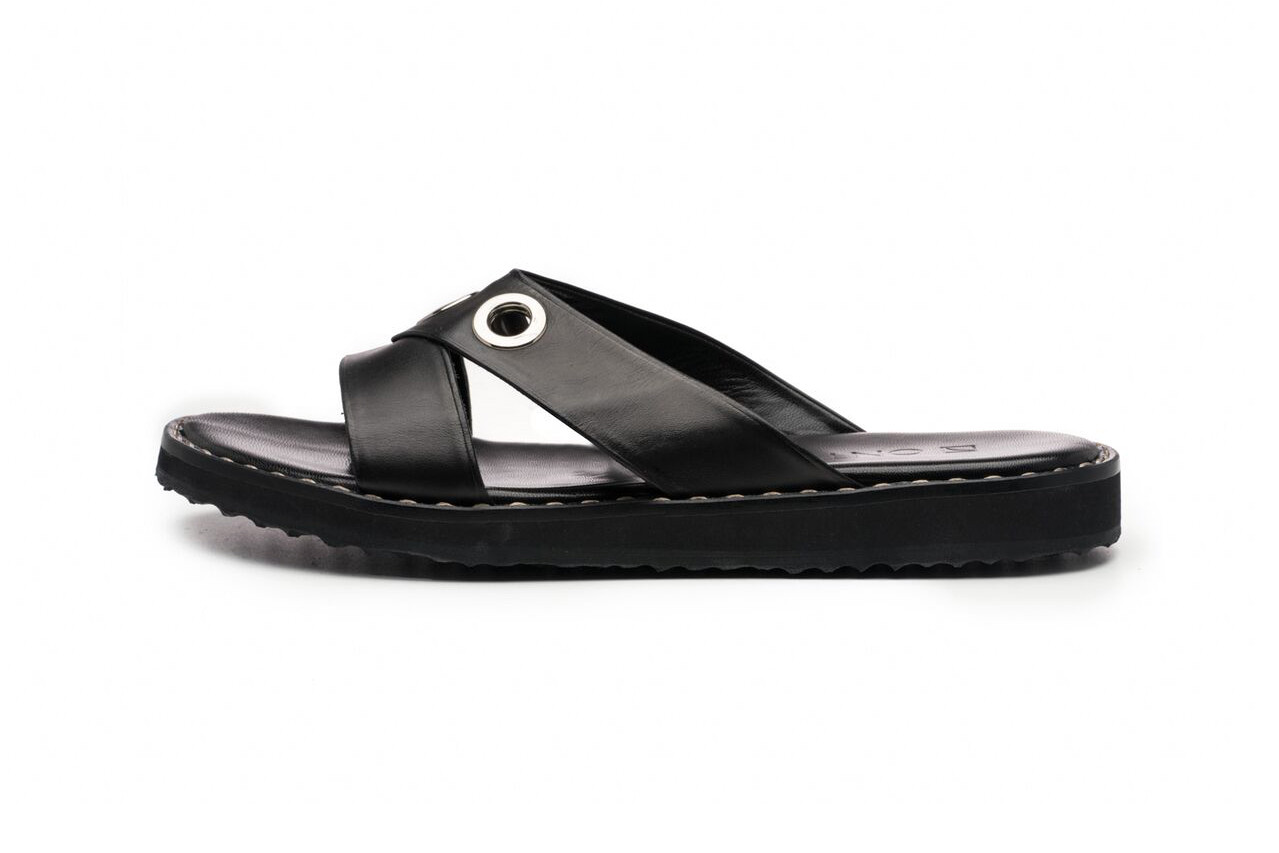 Onto Mountain Sandal Black