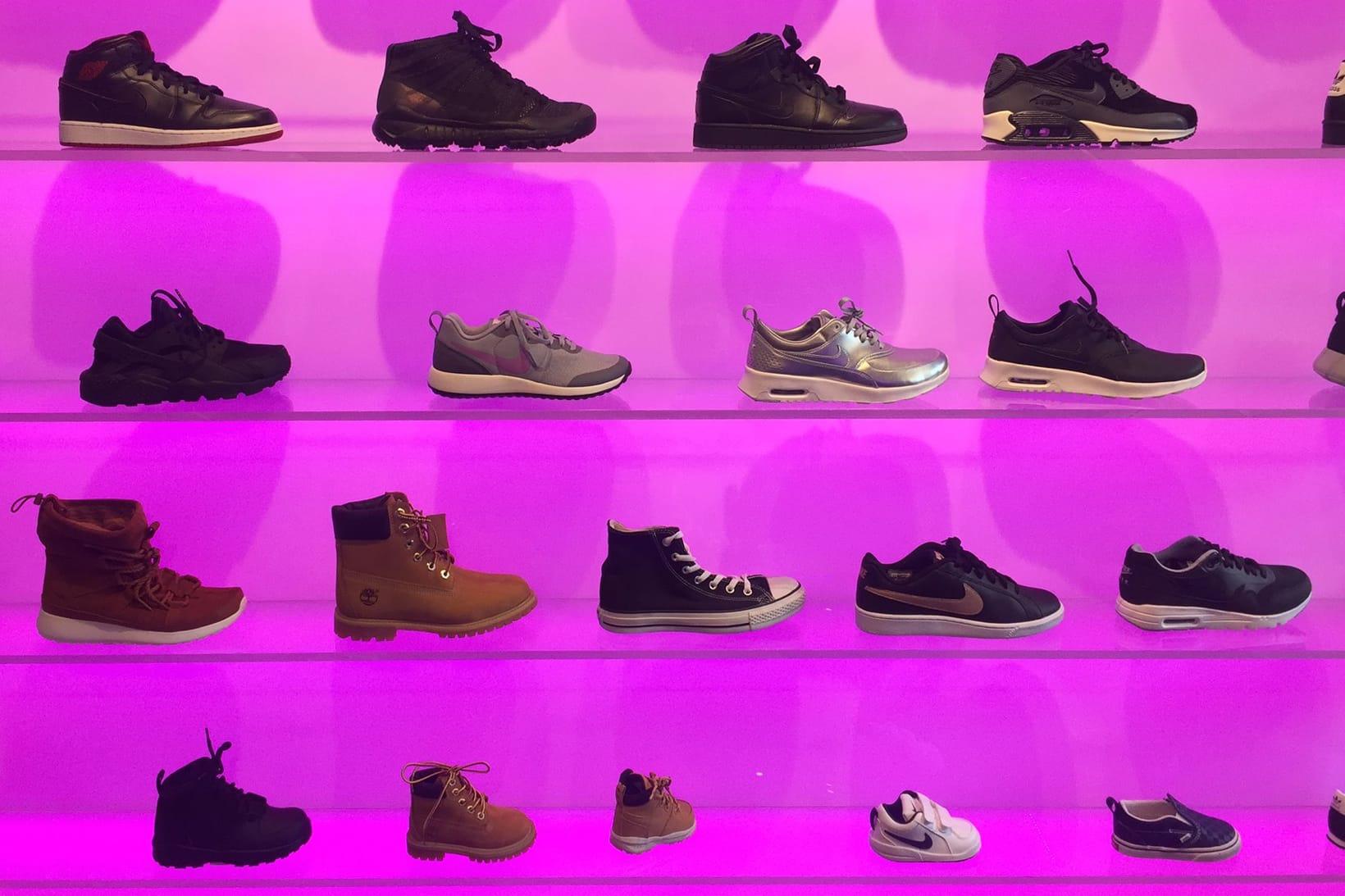 Women Sneaker Shops