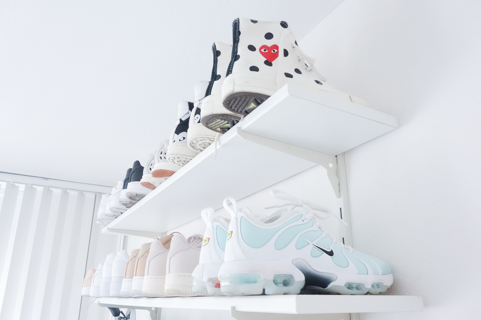 Ginney Noa Rotterdam Dutch the Netherlands Sneakerhead Sneaker HYPEBAE Collection Nike Puma Vans Maha Amsterdam Blue Ribbon Sports Air Max 1 Woei Patta