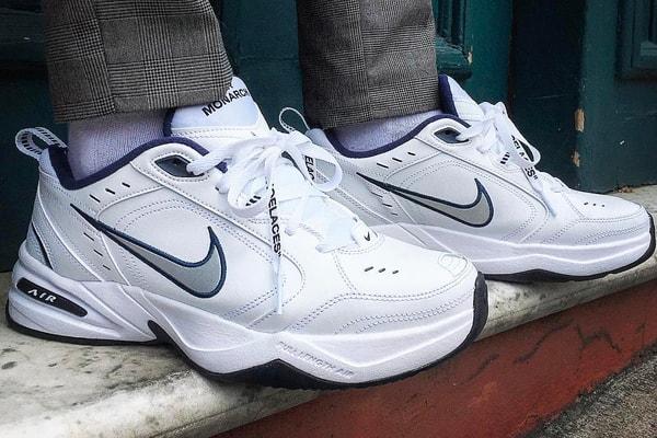 Ordenanza del gobierno Curso de colisión Descubrir  5 Dad Sneakers That Real-Life Dads Actually Wear | HYPEBAE