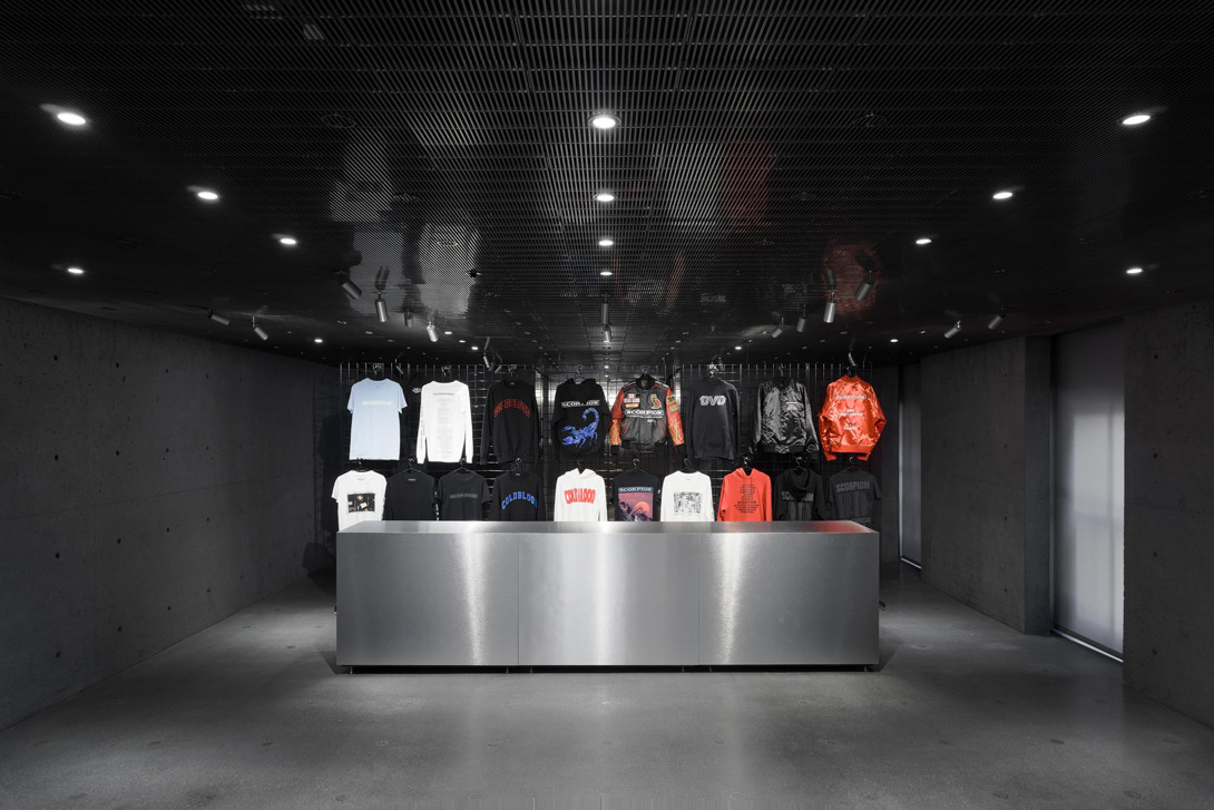 drake scorpion popup store party ssense montreal aubrey and the three migos tour music