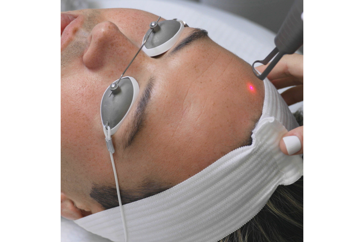 Skin Laundry Laser Light Facial