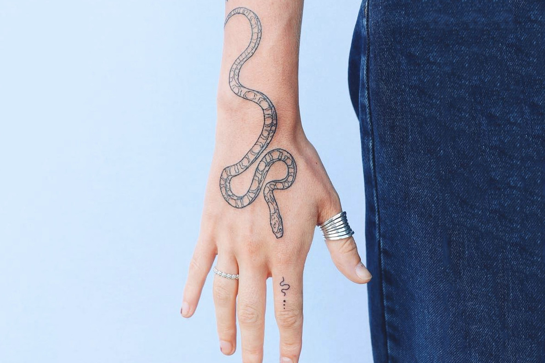 Best Minimal Tattoo Artist Studio London Soho Shoreditch South