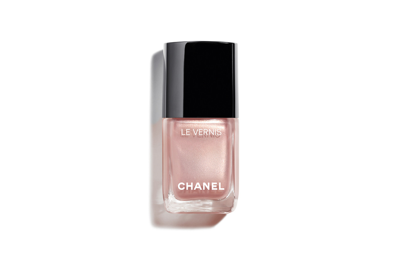 Chanel LE BLANC 2019 Pierres de Lumière Makeup Lipsticks Blush Highlighter Nail Polish