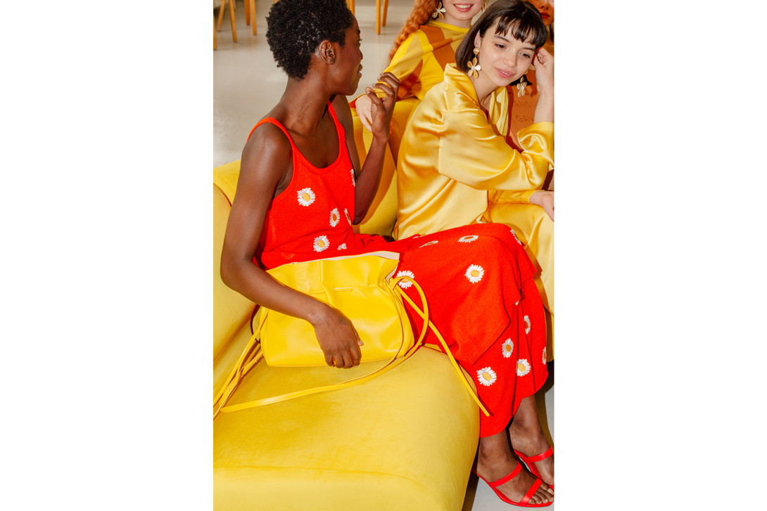 Mansur Gavriel Spring Summer 2019 Collection New York Fashion Week Top Pants Yellow Vegetable Tanned Pleated Bucket Bag Cammello
