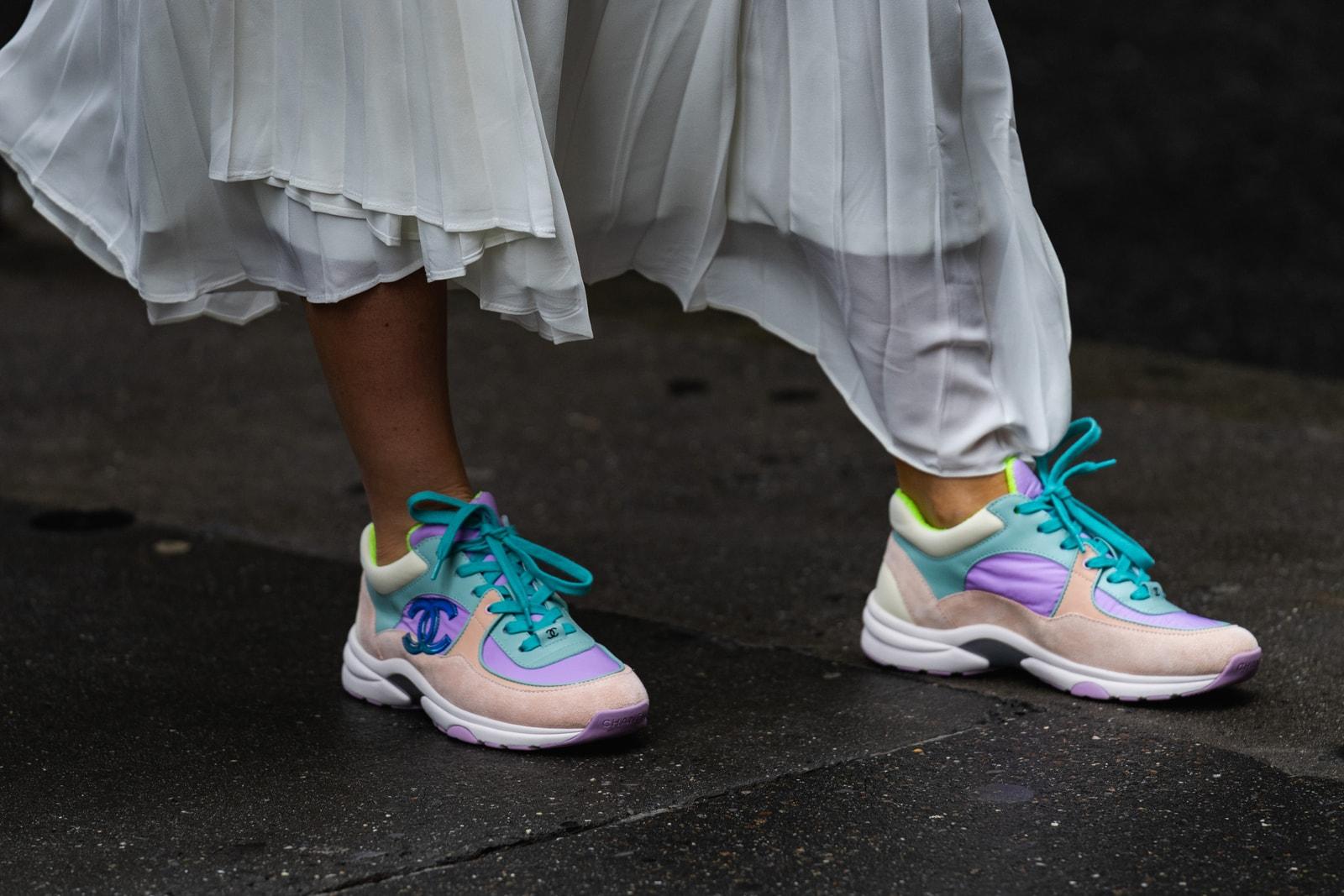 Fashion week New York paris London Milan popular sneakers street style 2019 Nike dior come des garçons prada