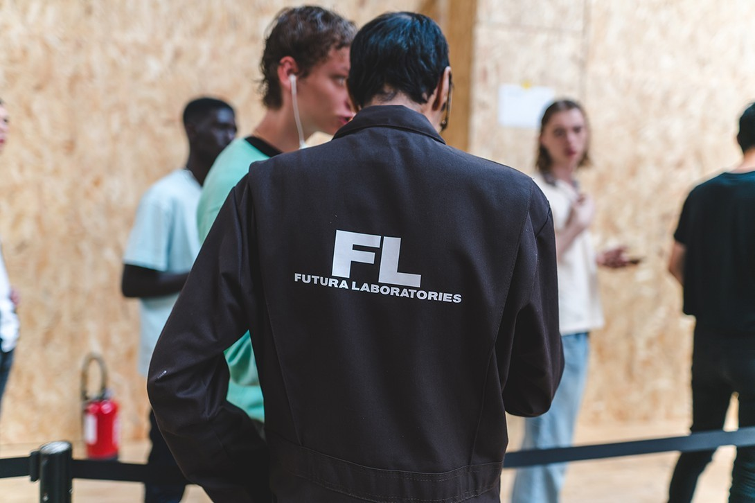 Off-White Virgil Abloh Spring Summer 2020 Paris Fashion Week Show Collection Backstage Gigi Hadid Blazer White Green Blue Red