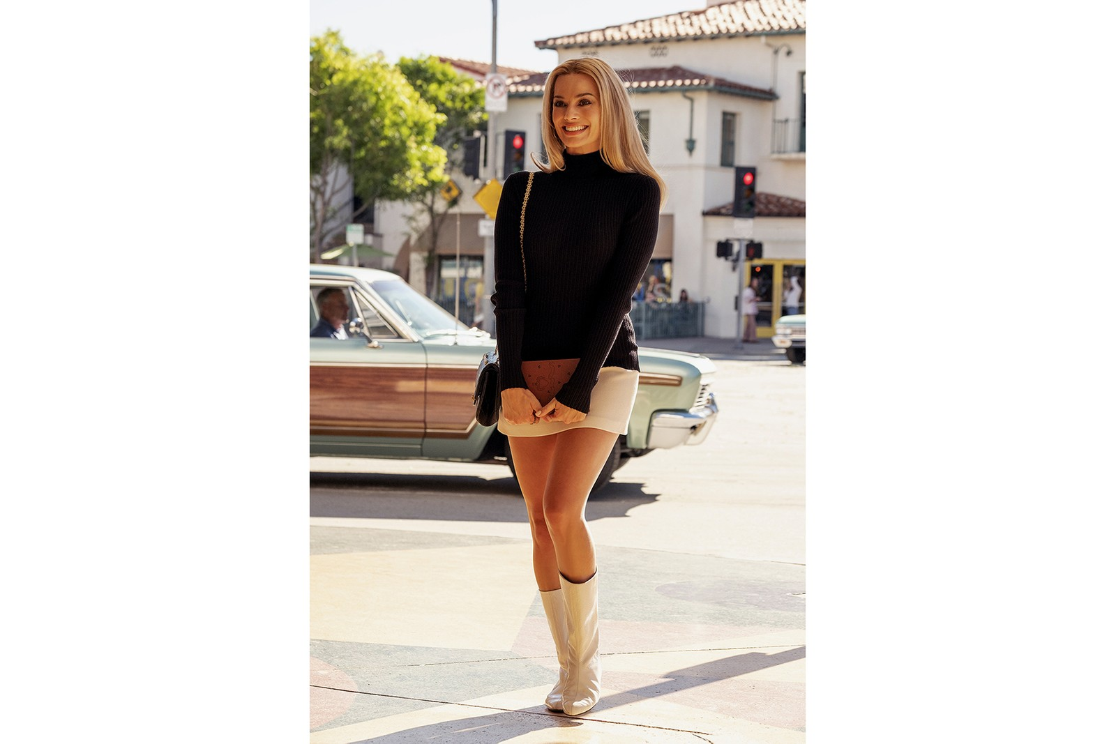 quentin tarantino once upon a time in hollywood best outfits looks margot robbie leonardo dicaprio brad pitt '60s fashion 1960s style vintage sharon tate rick dalton cliff booth