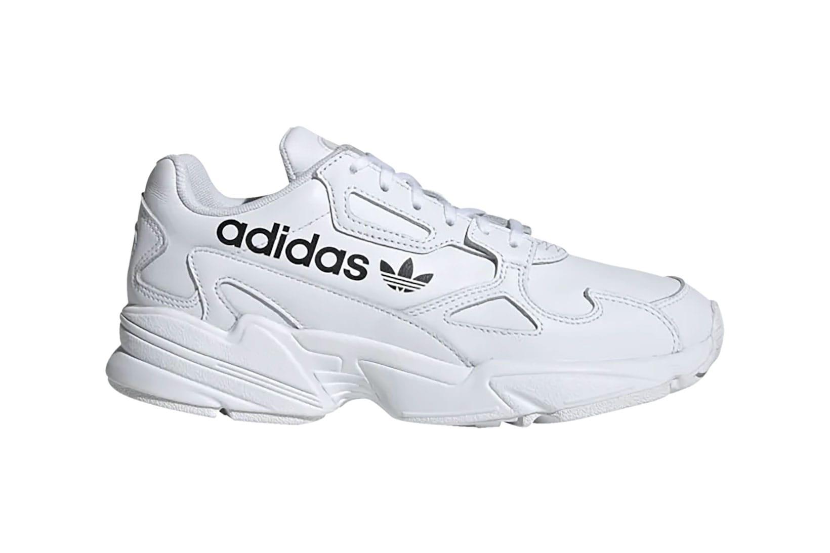 Sneakers: Nike, adidas, Puma