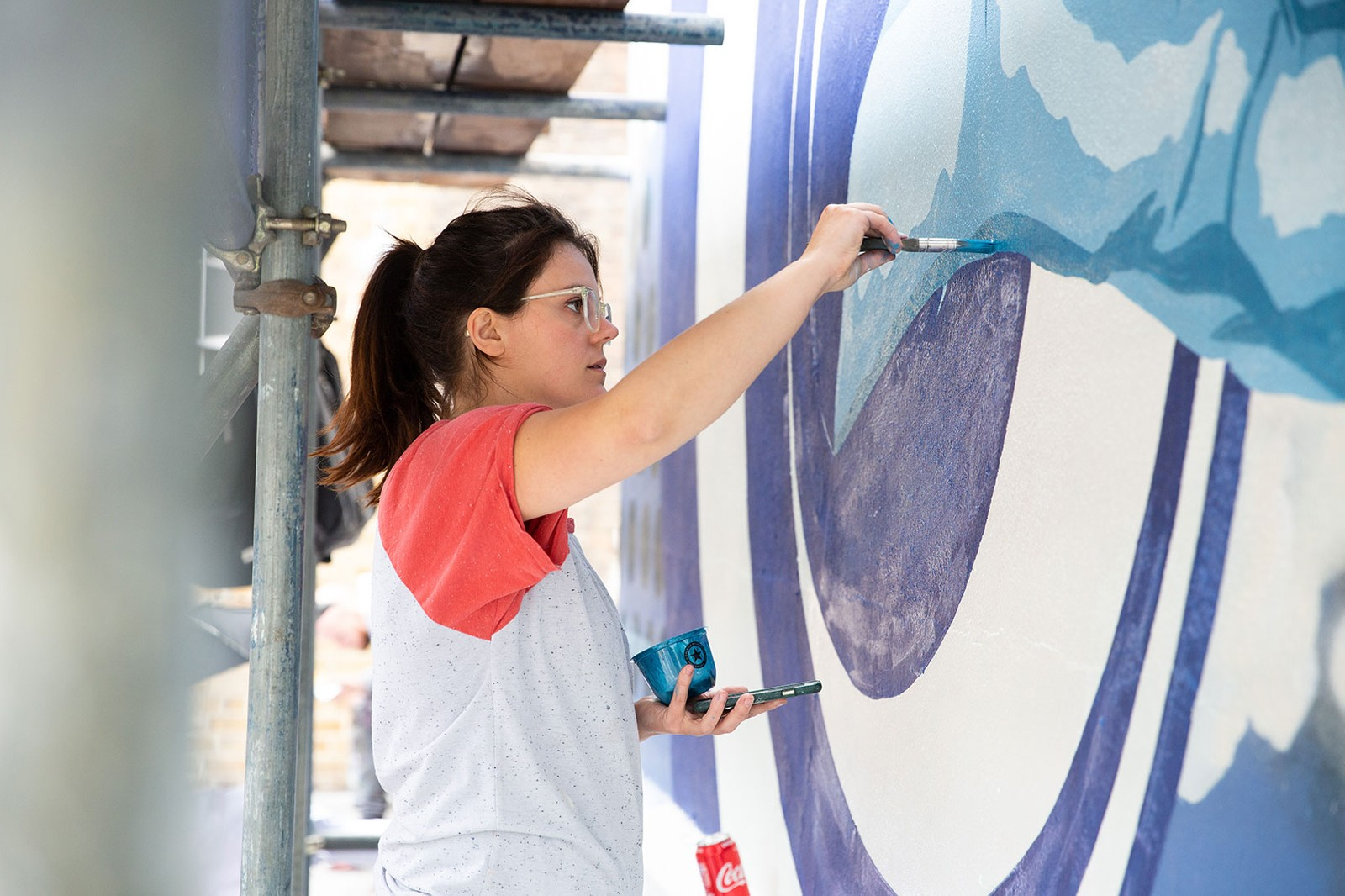 Bombay Sapphire and Jo Hicks Unveil London Mural artist gin painting street