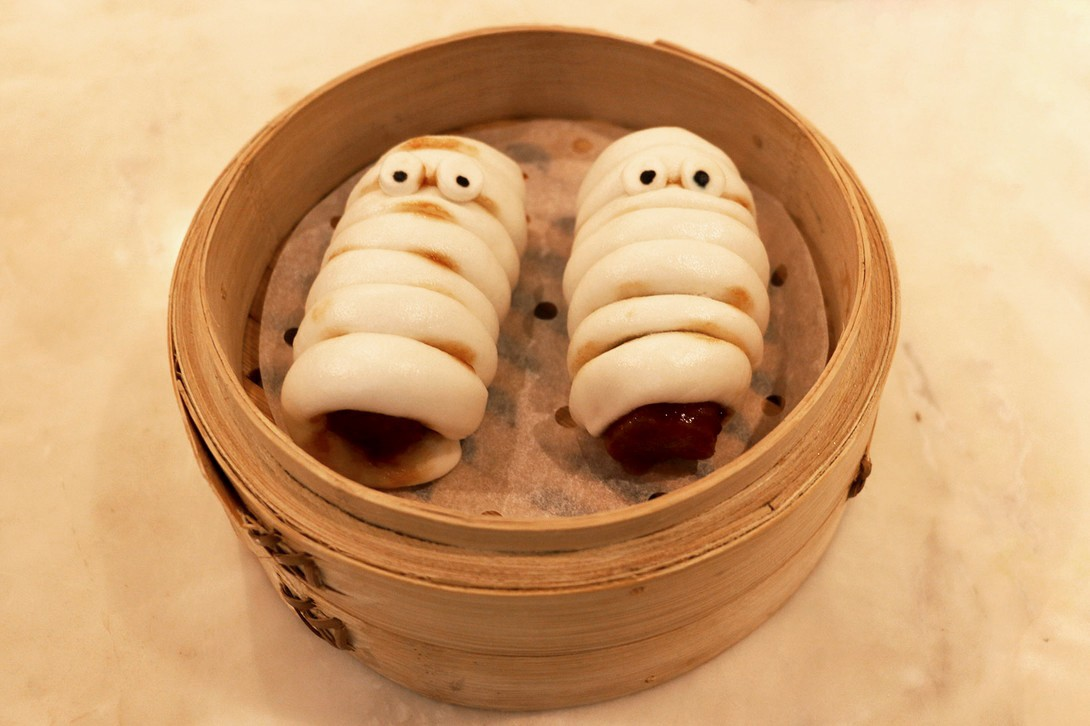 halloween dim sum brunch review shrimp dumplings hong kong yum cha