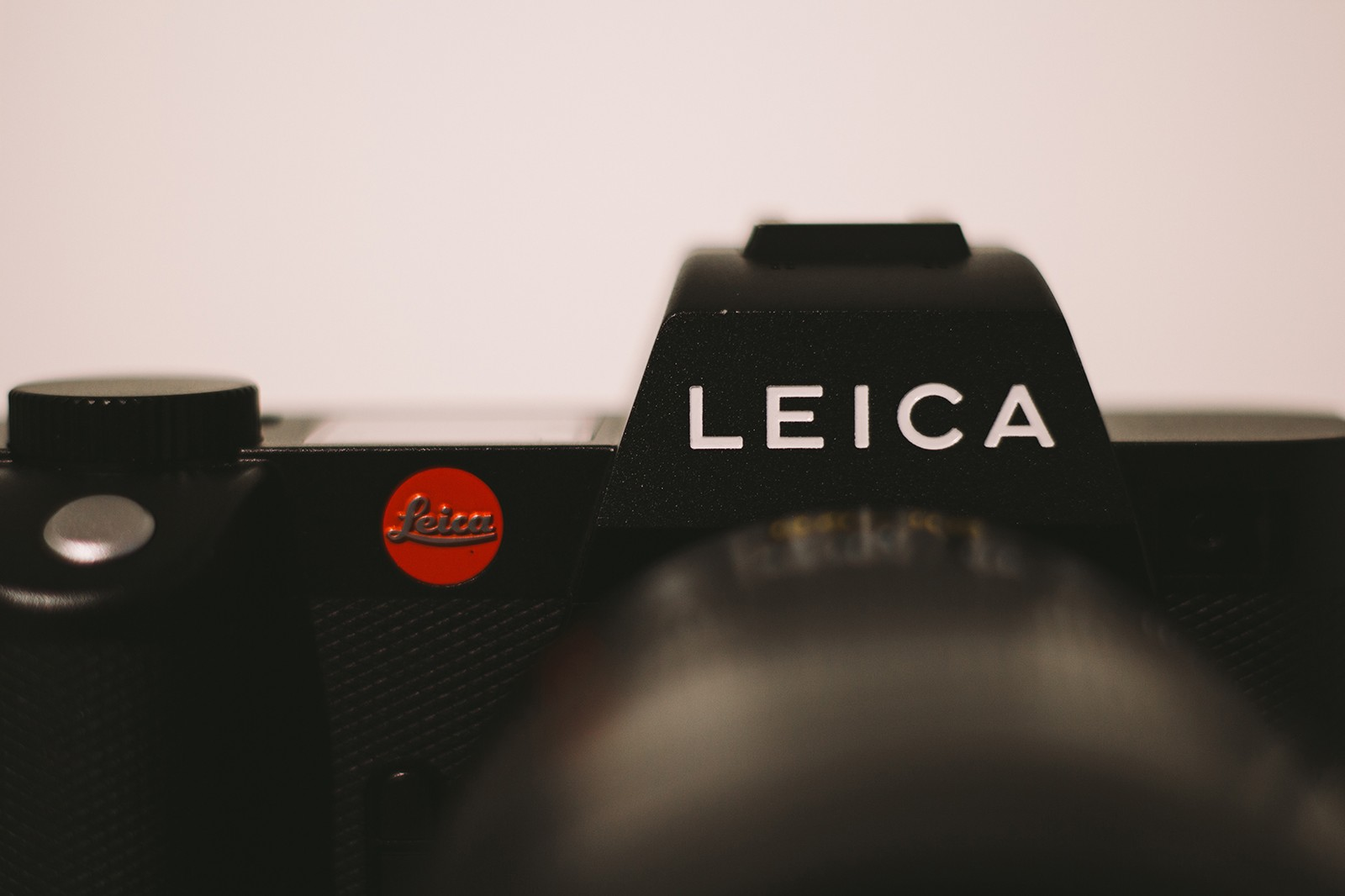 leica sl2 camera photography specs price tech nike air max sneakers black white