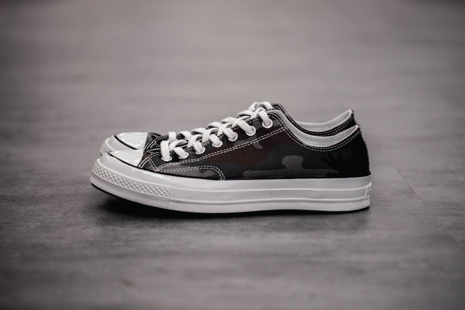 carhartt wip converse chuck 70 low collaboration sneakers tea you apres sport sweatshirt crewneck