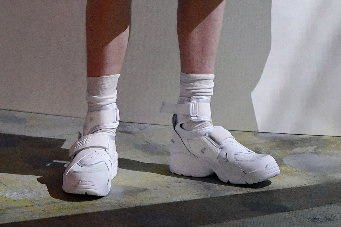 COMME des GARÇONS HOMME PLUS Spring/Summer 2021 Nike Air Carnivore Collaboration Collection Runway Tokyo Japan Minishow Rei Kawakubo