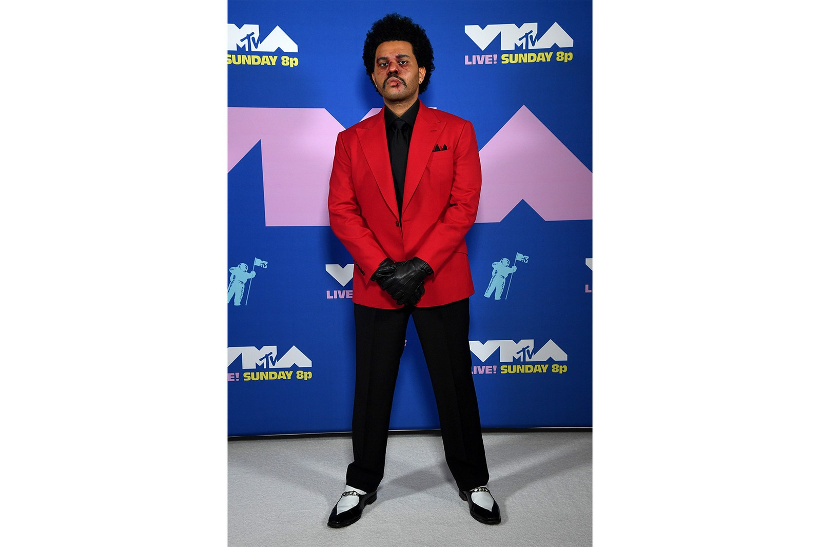 2020 mtv vmas red carpet best looks the weeknd performance outfit