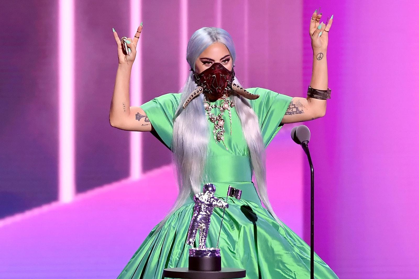 2020 mtv vmas red carpet best looks lady gaga award acceptance mask