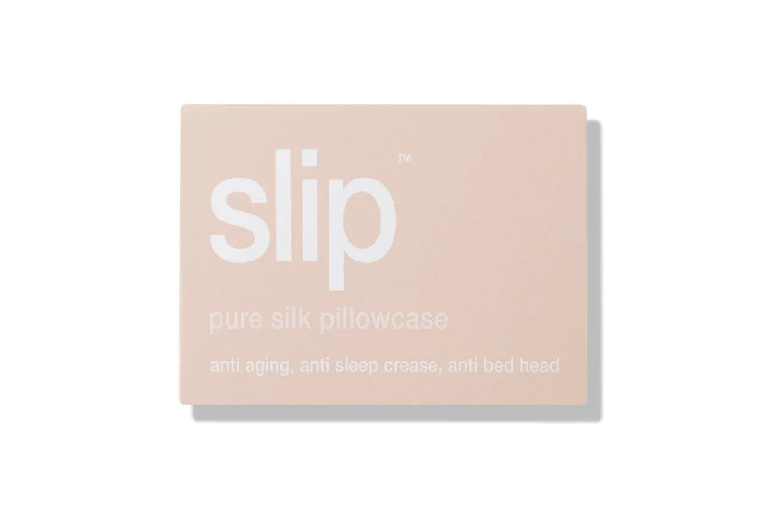 Best Cult Favorite Beauty Skincare Tools Worth Investing In Beautyblender Slip Silk Pillowcase Micro-Needling Roller Face Halo Makeup