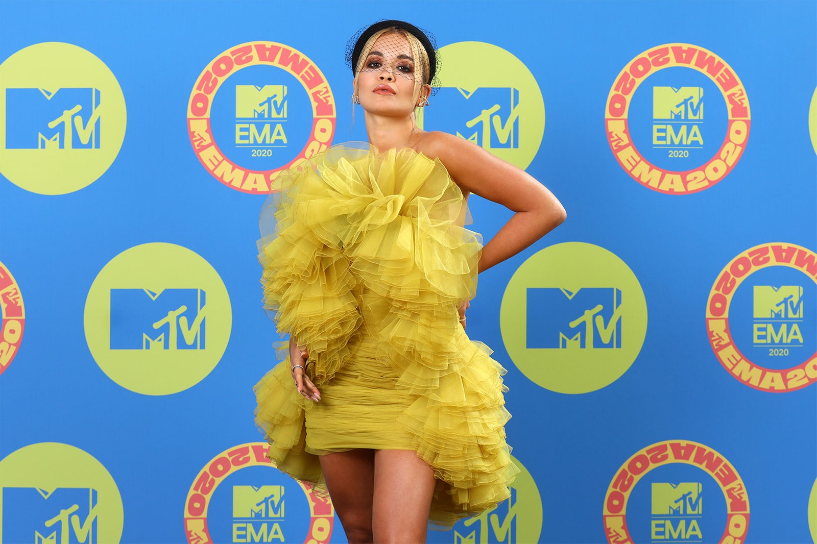 mtv emas europe music award best red carpet looks outfits celebrity style madison beer rita ora alicia keys