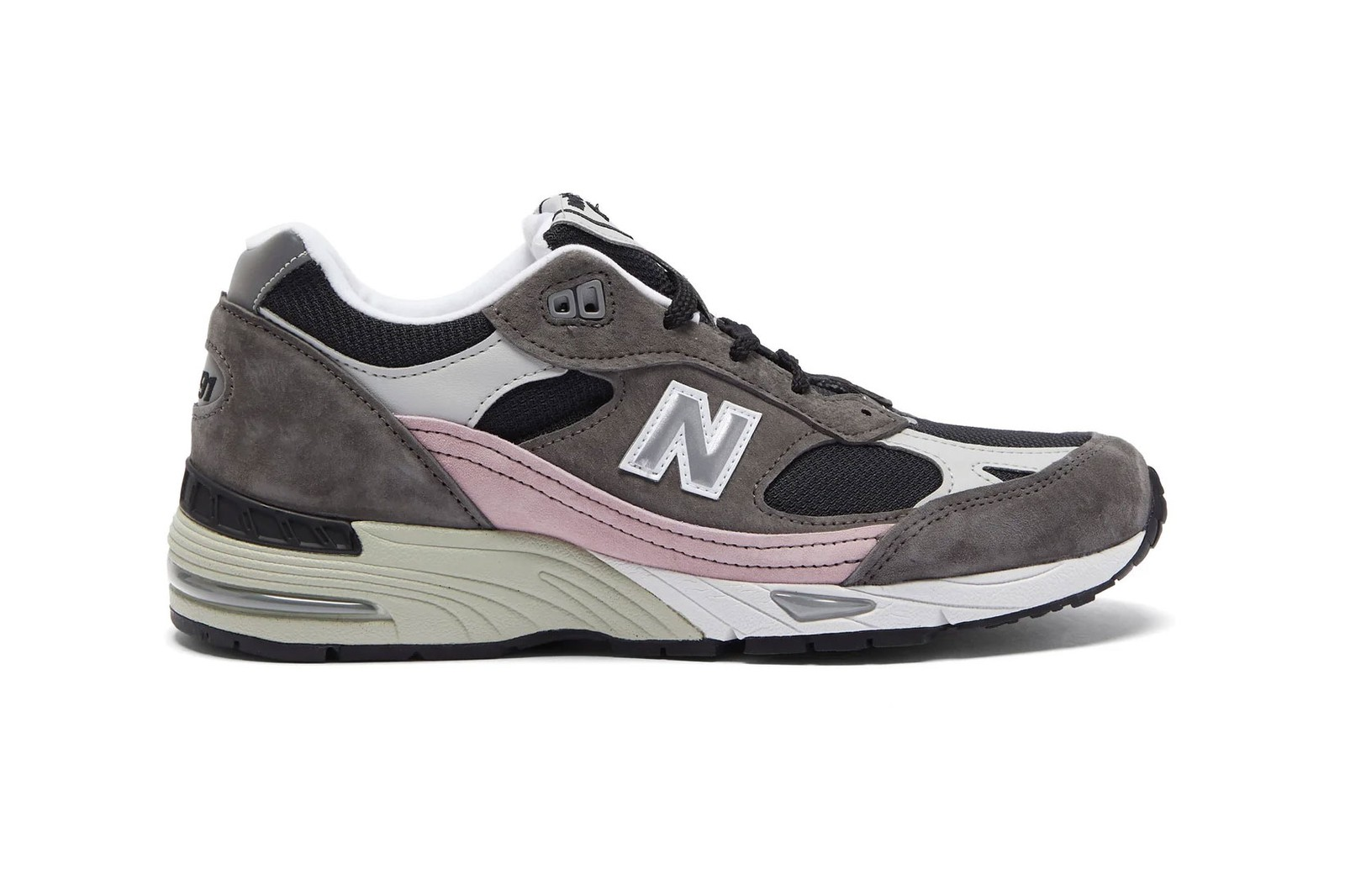 best womens winter sneakers 2021 new year nike air force 1 af1 new balance made in england 991 balenciaga triple s pink clear sole