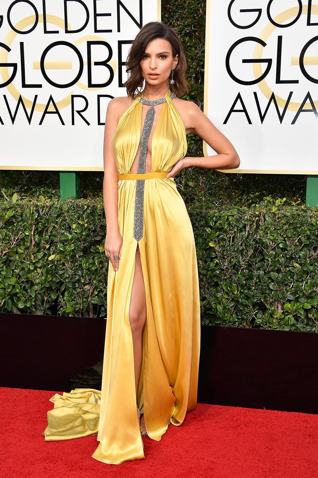 golden globes awards best most iconic looks dresses red carpet celebrity style beyonce julia roberts sarah jessica parker sjp