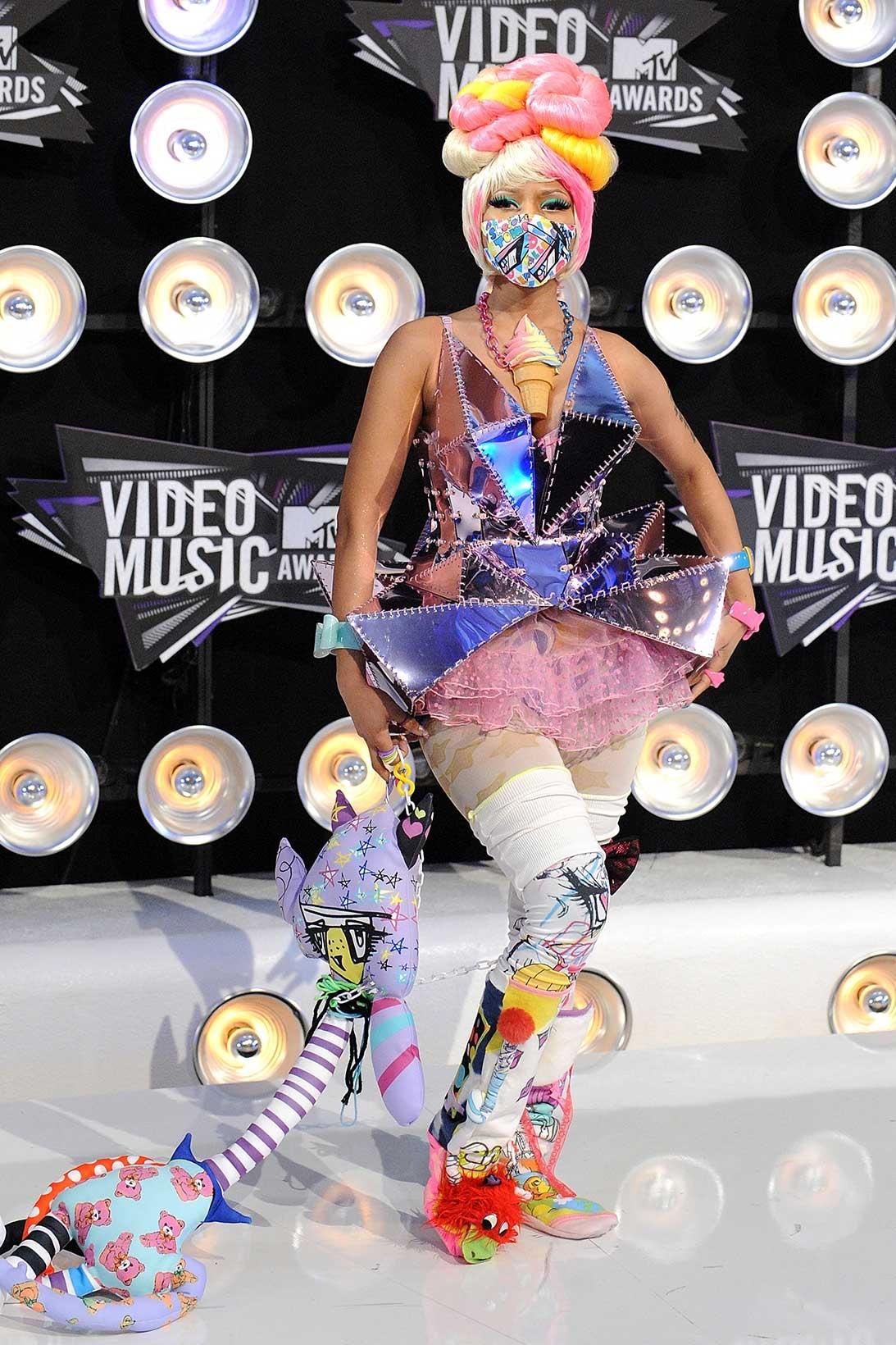 Nicki Minaj Grammys Met Gala MTV VMAs Versace Oscar de la Renta Pamela Rolland  Amato Couture