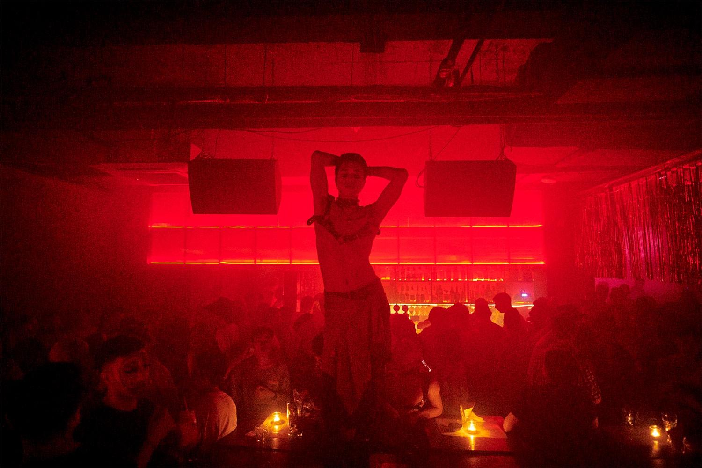 曾推倒过柏林墙的电子乐,如何在北上成深的地下俱乐部场景中成长?