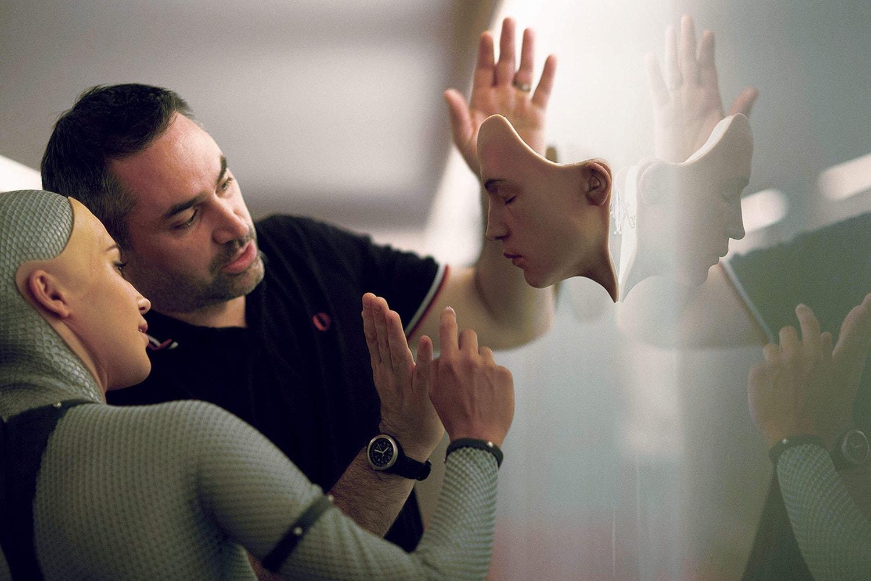Alex Garland 如何通過科幻寓言探討時下熱門議題「人工智能」?
