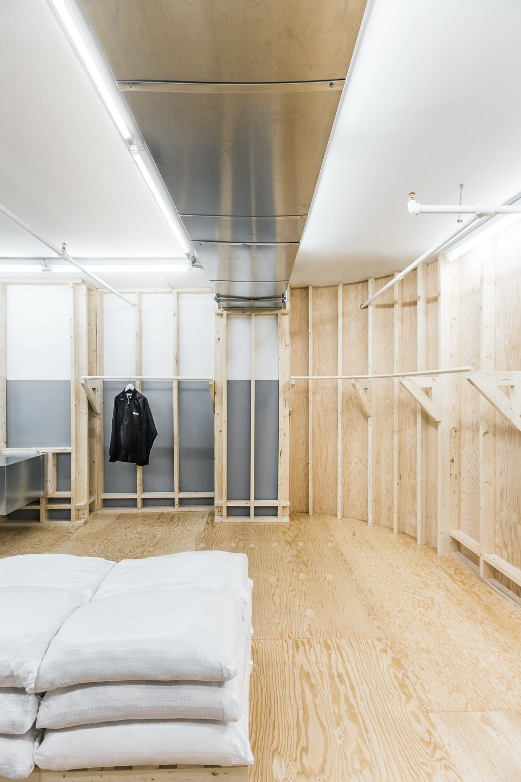独家对话,Perron-Roettinger 打造的 Stüssy Shibuya 店铺即将开幕