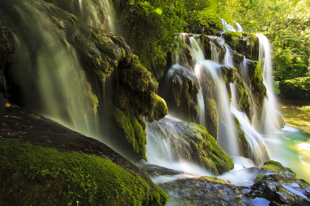 La Cascades Des Tufs Jura France Visite