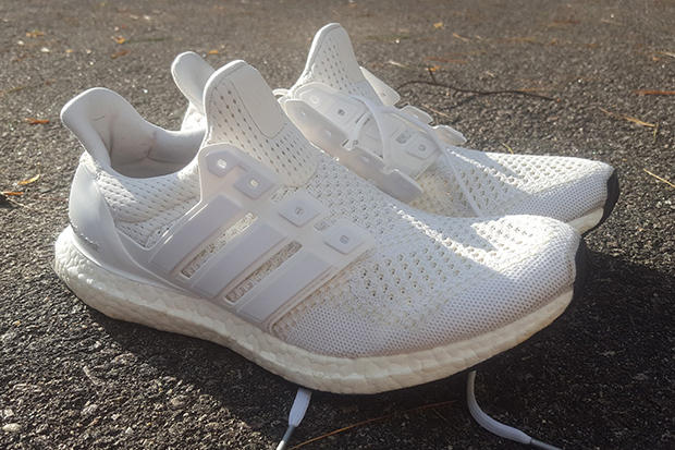 quality design b0aa7 220f0 Reddit adidas Ultra Boost triple white cleaning | HYPEBEAST