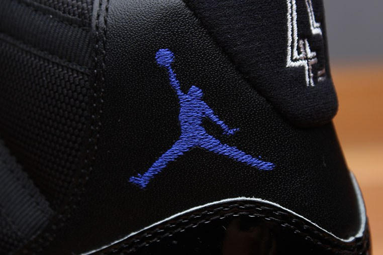 "Air Jordan 11 ""Space Jam"" Closer Look"