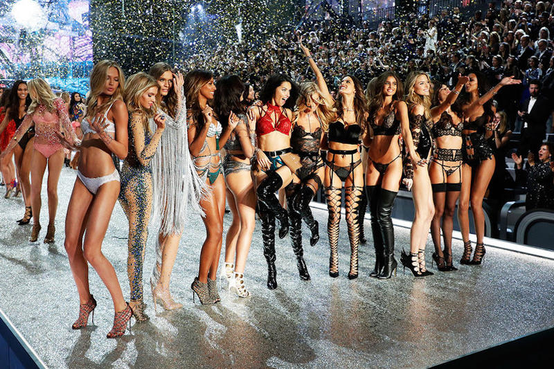 All the backstage instagrams from Victorias's secret fashion show that you need to see