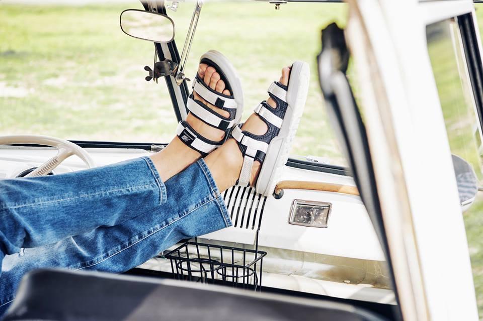New Balance 推出全新 Summer Sandals Pack 涼拖鞋系列