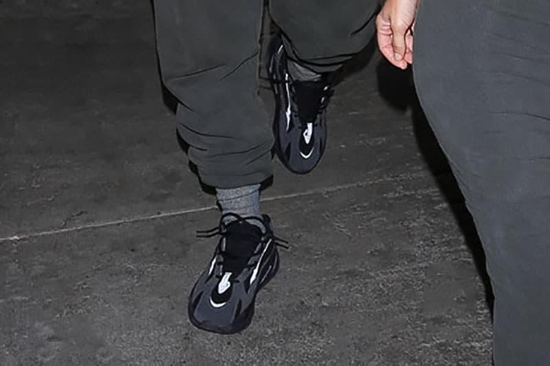 浪潮持續 - Kanye West 再被發現穿上新配色的 YEEZY Wave Runner 700