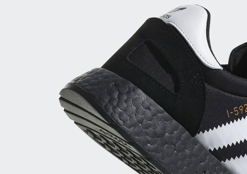 adidas Originals Iniki Runner 帶來黑底白間超經典配色