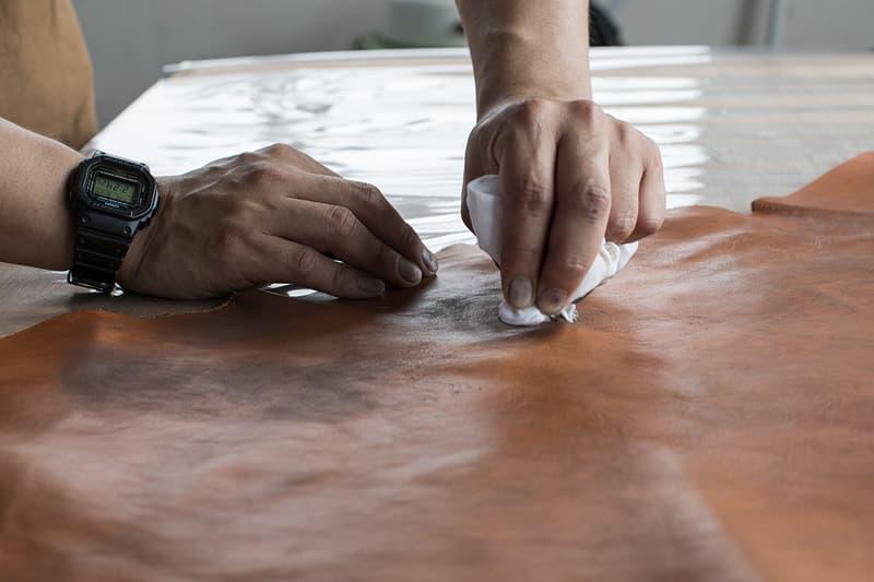 visvim 展現「Natural Paint Leather」製衣工藝