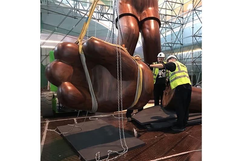 巨型 KAWS 是怎樣建成的?