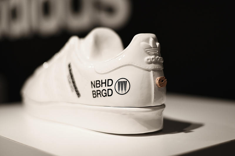 近賞 NEIGHBORHOOD x adidas Originals Superstar 特別版球鞋香爐