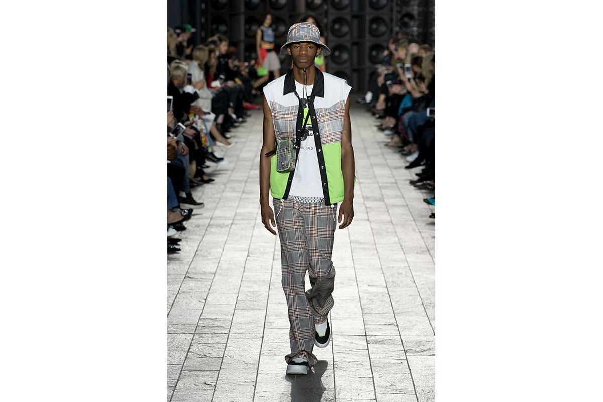 Versus Versace 2018 春夏系列,展現叛逆魅力的紐約街頭