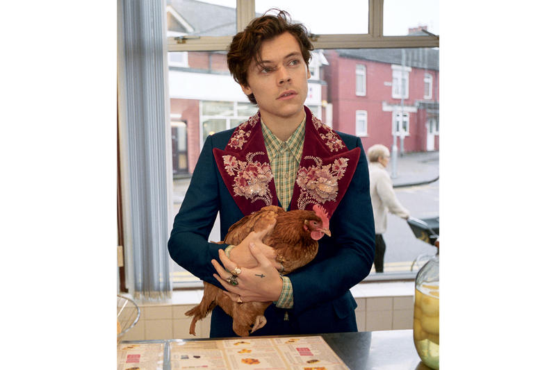 Harry Styles 亮相新一輯 Gucci 正裝系列造型照