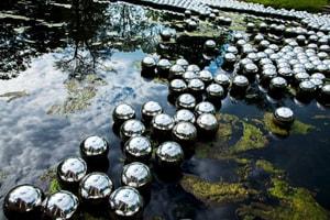 草間彌生時隔 50 年後再度於紐約展出裝置藝術「Narcissus Garden」