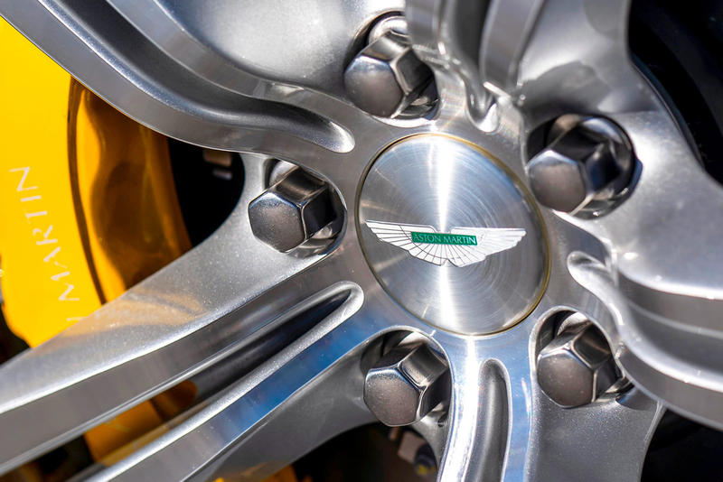 Aston Martin 改造出極速版 Cygnet V8