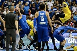 FIBA 世界盃亞洲區資格賽「澳洲」與「菲律賓」兩隊爆發大亂鬥!
