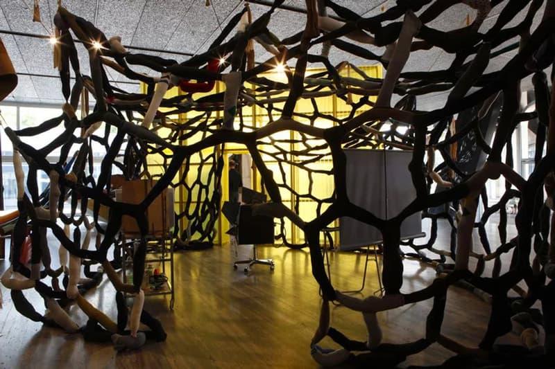 德國藝術家 John Bock 於米蘭 Fondazione Prada 打造全新展覽