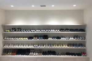 魔鬼在細節!Kanye West 鞋架竟然存有一雙 Nike 鞋款?!