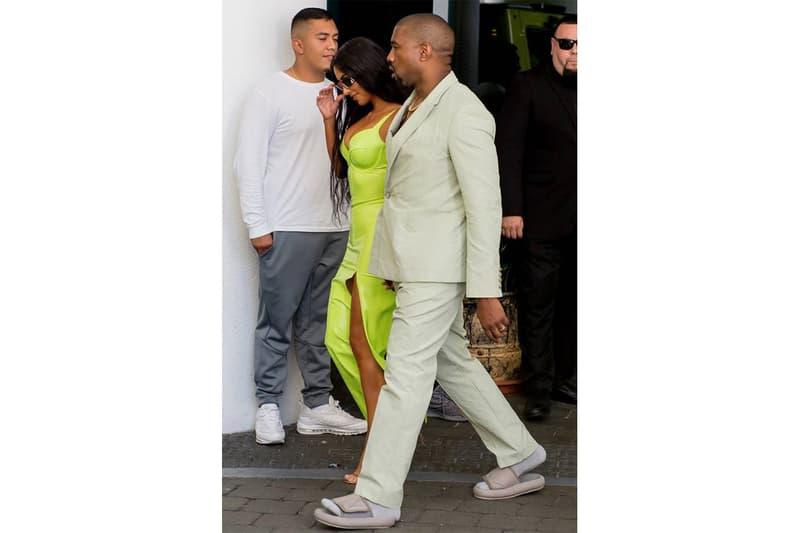 罕有幽默-Kanye West 反擊拖鞋太小的網上評擊