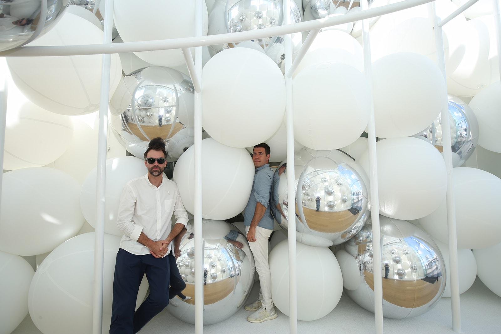 SNARKITECTURE 最新互動裝置藝術作品「BOUNCE」首度現身香港