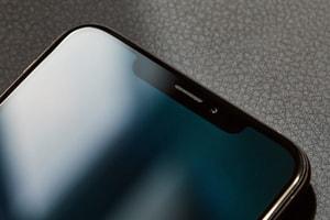 理想與現實-用戶投訴 iPhone XS 前置鏡頭過份美顏