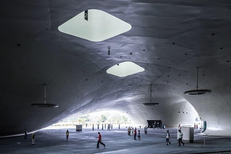全球最大!走進台灣高雄「衛武營國家藝術文化中心」