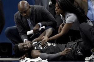 嚴重變形!Nets 潛力新星 Caris LeVert 右小腿受傷、退場緊急送醫